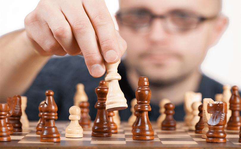 Durch diesen Schach Online Kurs wirst du zum Schachmeister!