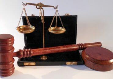 Jura Fernstudium Online Kurse Recht Anwalt